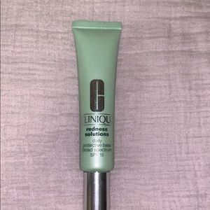 Clinique redness solutions daily protective base